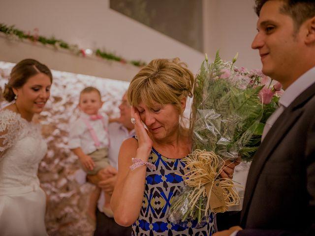 La boda de Israel y Tamara en El Puig, Valencia 93