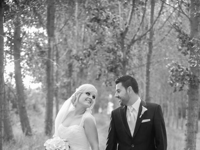 La boda de Paco y Marvina en Requena, Valencia 33