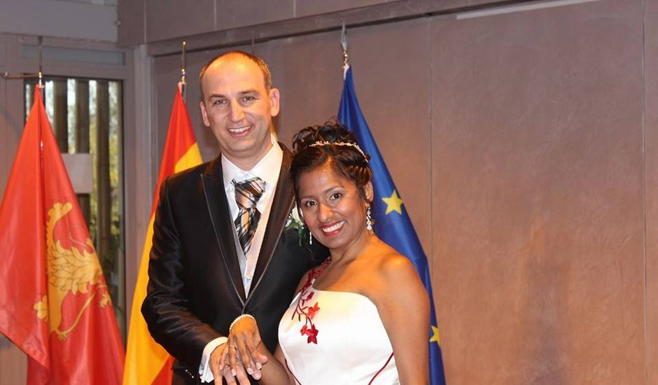 La boda de Víctor y Dina en Zaragoza, Zaragoza