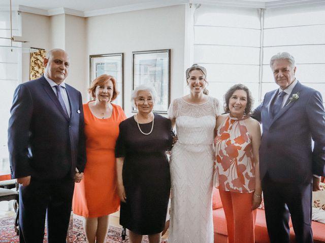 La boda de Javier  y Elena en Madrid, Madrid 11