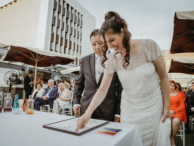 La boda de Javier  y Elena en Madrid, Madrid 17