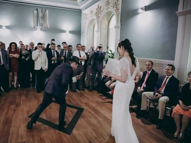 La boda de Javier  y Elena en Madrid, Madrid 22