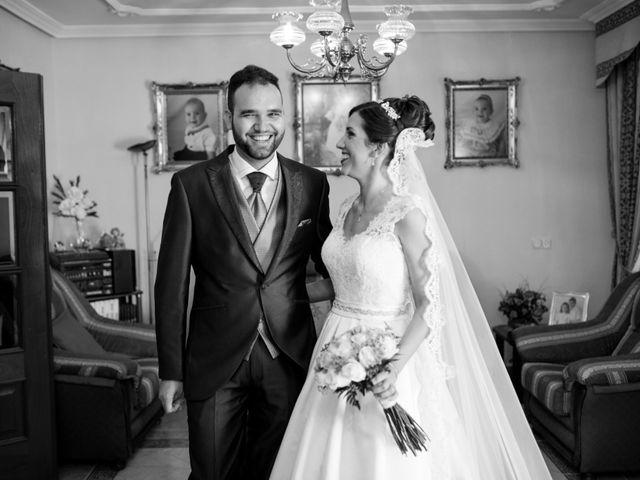 La boda de Caty y Juanvi en Rus, Jaén 14