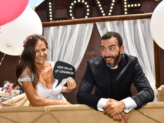 La boda de Laura y David en Pineda De Mar, Barcelona 42