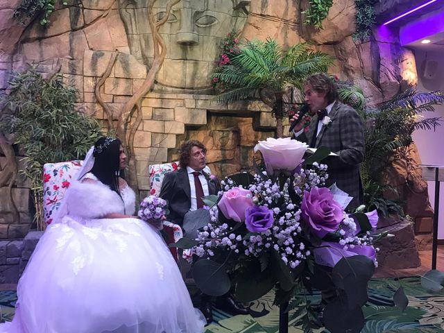 La boda de Manolo y Carolina  en Les Borges Blanques, Lleida 31