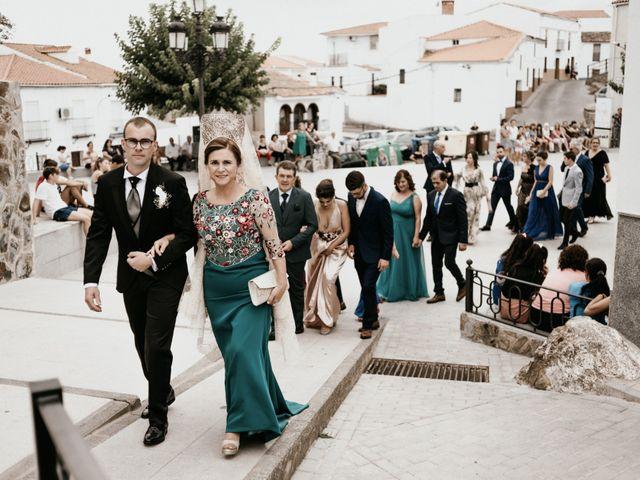 La boda de Alberto y Ara en Trasierra, Badajoz 51