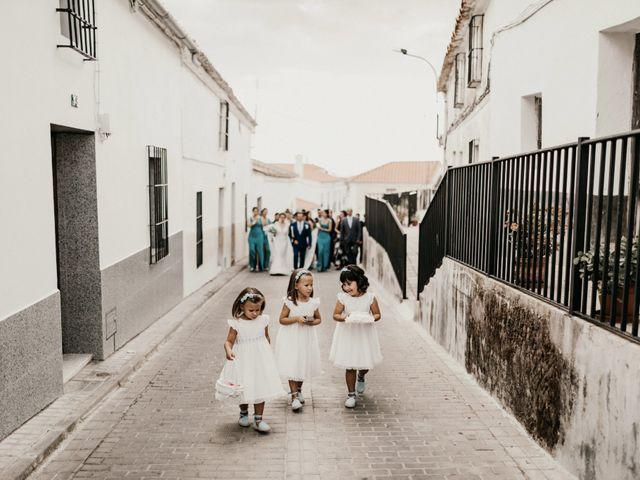 La boda de Alberto y Ara en Trasierra, Badajoz 57
