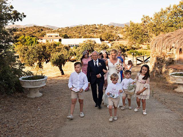 La boda de Beatriz y Joaquín en Logrosan, Cáceres 8