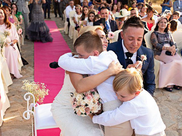 La boda de Beatriz y Joaquín en Logrosan, Cáceres 10