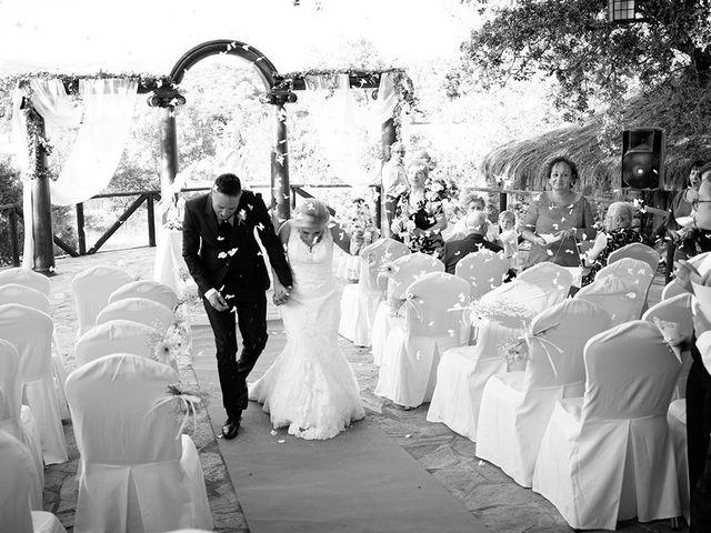 La boda de Beatriz y Joaquín en Logrosan, Cáceres 18