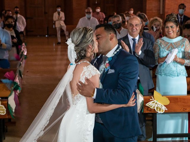 La boda de Cristhian y Katia en Sant Cugat Sesgarrigues, Barcelona 14