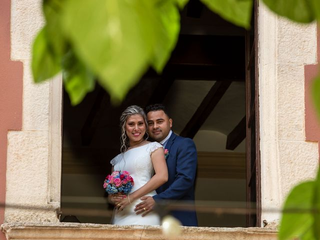 La boda de Cristhian y Katia en Sant Cugat Sesgarrigues, Barcelona 18