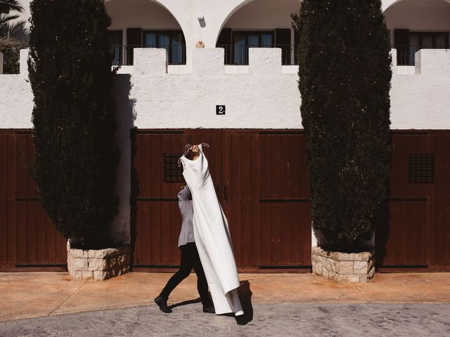 La boda de Pablo y Franzis en La/villajoyosa Vila Joiosa, Alicante 4
