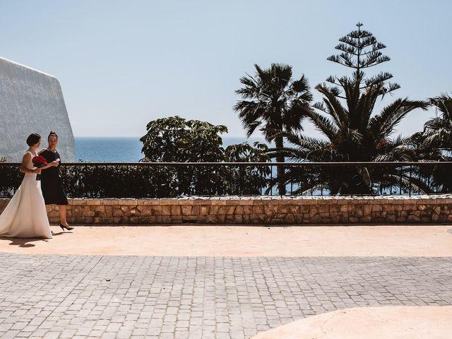 La boda de Pablo y Franzis en La/villajoyosa Vila Joiosa, Alicante 24