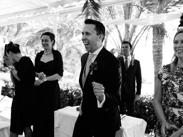 La boda de Pablo y Franzis en La/villajoyosa Vila Joiosa, Alicante 27