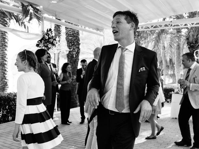 La boda de Pablo y Franzis en La/villajoyosa Vila Joiosa, Alicante 50