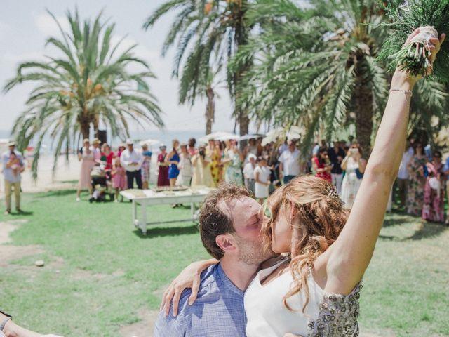 La boda de Eduardo y Paula en La/villajoyosa Vila Joiosa, Alicante 1