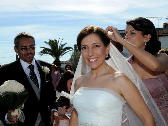La boda de Víctor y Sonia en Valdastillas, Cáceres 10