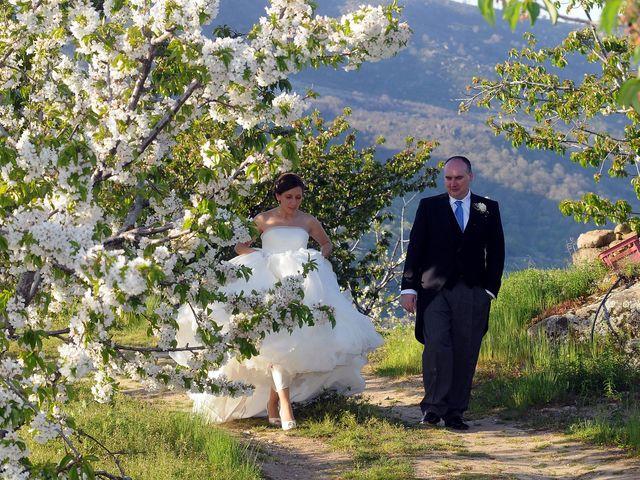 La boda de Víctor y Sonia en Valdastillas, Cáceres 17