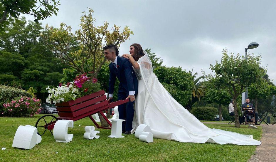 La boda de Iker y Carla en Izarza, Vizcaya