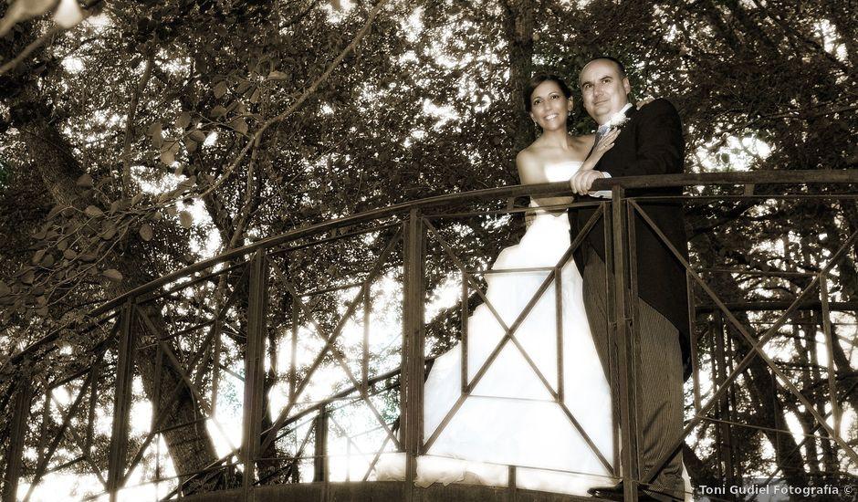 La boda de Víctor y Sonia en Valdastillas, Cáceres