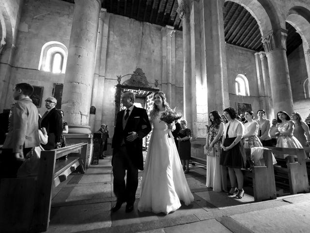 La boda de Javier y Beatriz en Madrona, Segovia 14
