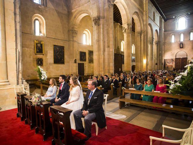 La boda de Javier y Beatriz en Madrona, Segovia 16