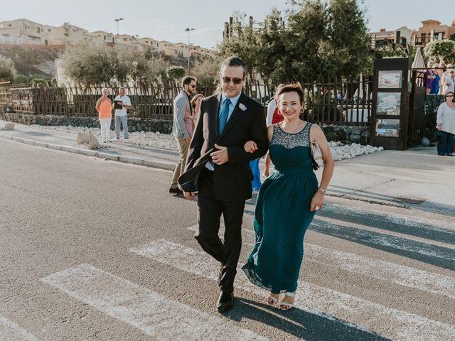 La boda de Miguel y Yuni en Santa Cruz De Tenerife, Santa Cruz de Tenerife 19