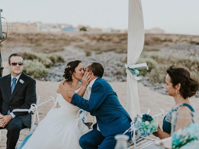 La boda de Miguel y Yuni en Santa Cruz De Tenerife, Santa Cruz de Tenerife 47