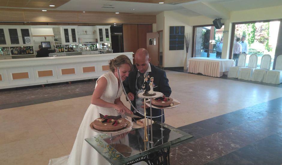 La boda de Jairo  y Elisabet  en Naveces, Asturias
