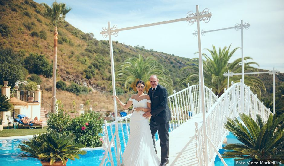 La boda de Antonio y Almudena en Benahavis, Málaga