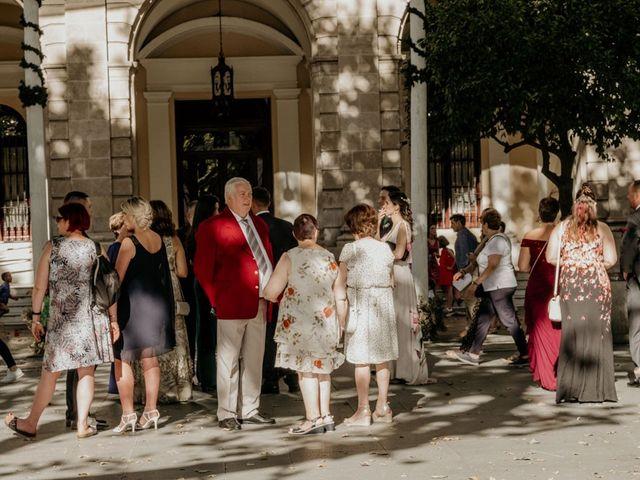 La boda de Nicolás y Ana en Sevilla, Sevilla 1