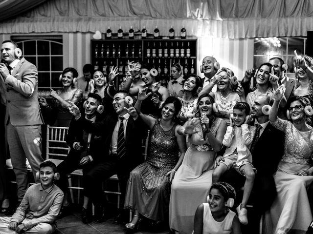 La boda de Joaquín y Raquel en Dos Hermanas, Sevilla 24