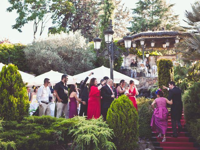 La boda de Raúl y Laura en Galapagar, Madrid 17