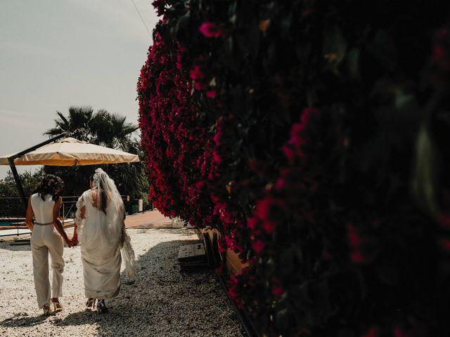 La boda de Paula y Pilar en Torrevieja, Alicante 32