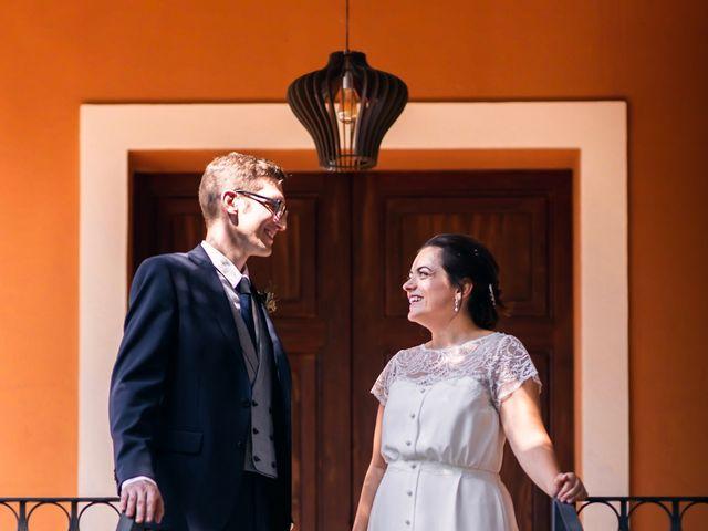 La boda de Tico y Paula en Castelló/castellón De La Plana, Castellón 23