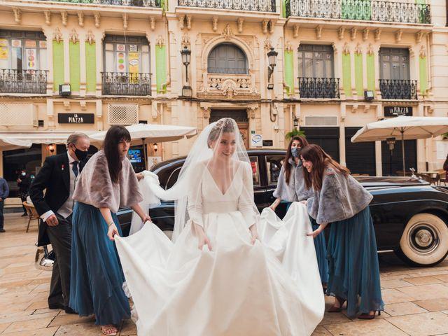 La boda de Álvaro y Lucía en Alacant/alicante, Alicante 27