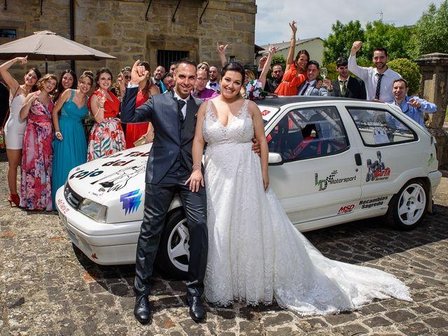 La boda de Eloy y Lidia en Vitoria-gasteiz, Álava 33