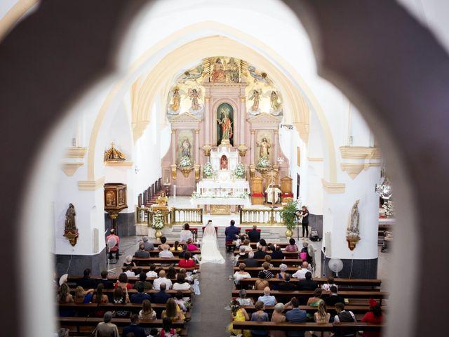 La boda de Rafa y Juana en Talarrubias, Badajoz 35