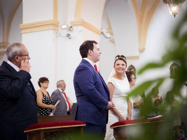La boda de Rafa y Juana en Talarrubias, Badajoz 41