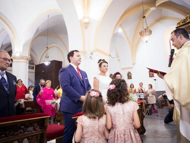 La boda de Rafa y Juana en Talarrubias, Badajoz 45
