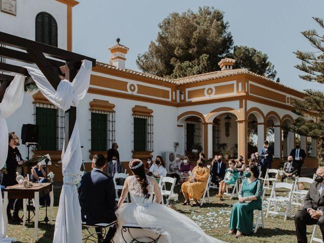 La boda de Alfonso y Mari Carmen en Dos Hermanas, Sevilla 5
