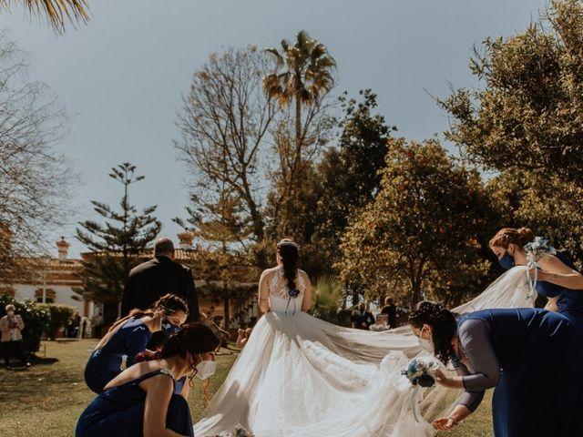 La boda de Alfonso y Mari Carmen en Dos Hermanas, Sevilla 8