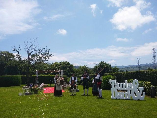 La boda de Dani y Tania en Quintueles, Asturias 16