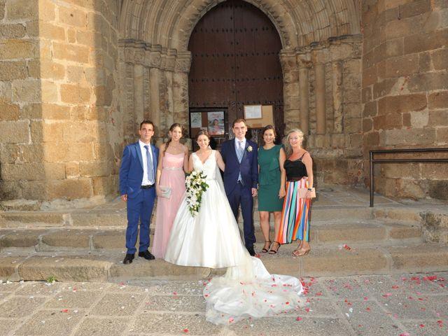 La boda de Luis Miguel y Elisa en Plasencia, Cáceres 55