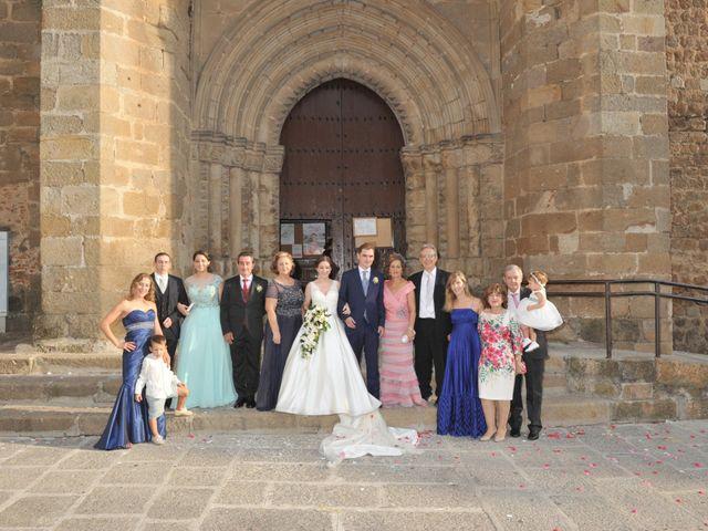La boda de Luis Miguel y Elisa en Plasencia, Cáceres 56