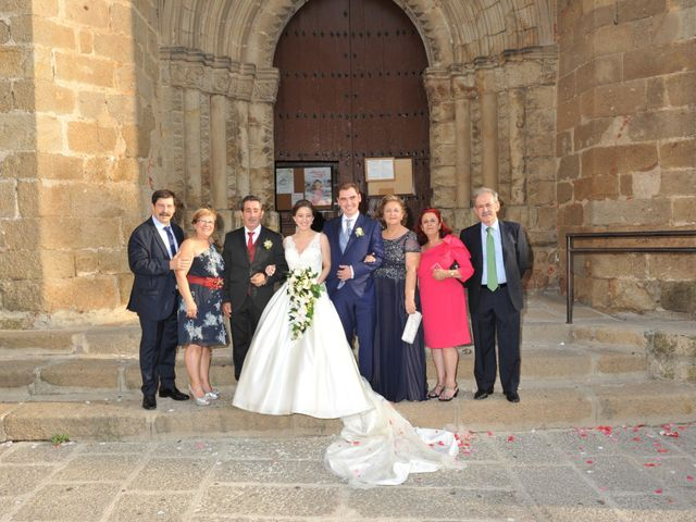 La boda de Luis Miguel y Elisa en Plasencia, Cáceres 57