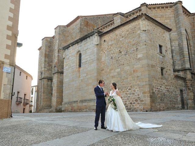La boda de Luis Miguel y Elisa en Plasencia, Cáceres 66