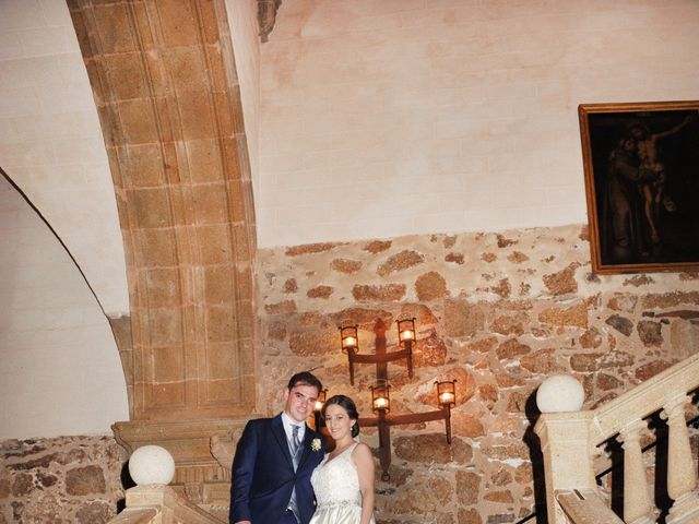 La boda de Luis Miguel y Elisa en Plasencia, Cáceres 91