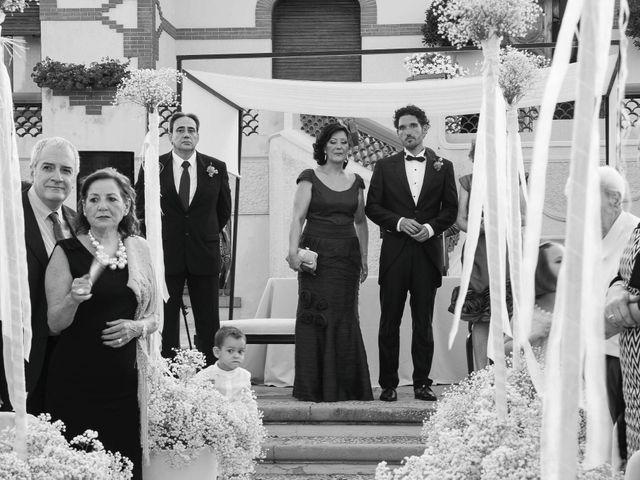 La boda de David y Pilar en Castelló/castellón De La Plana, Castellón 15